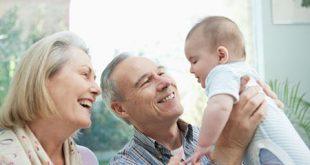 آیا کودکان را به مادربزرگ ها و پدربزرگها بسپاریم؟